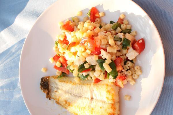 Vis met Pastasalade